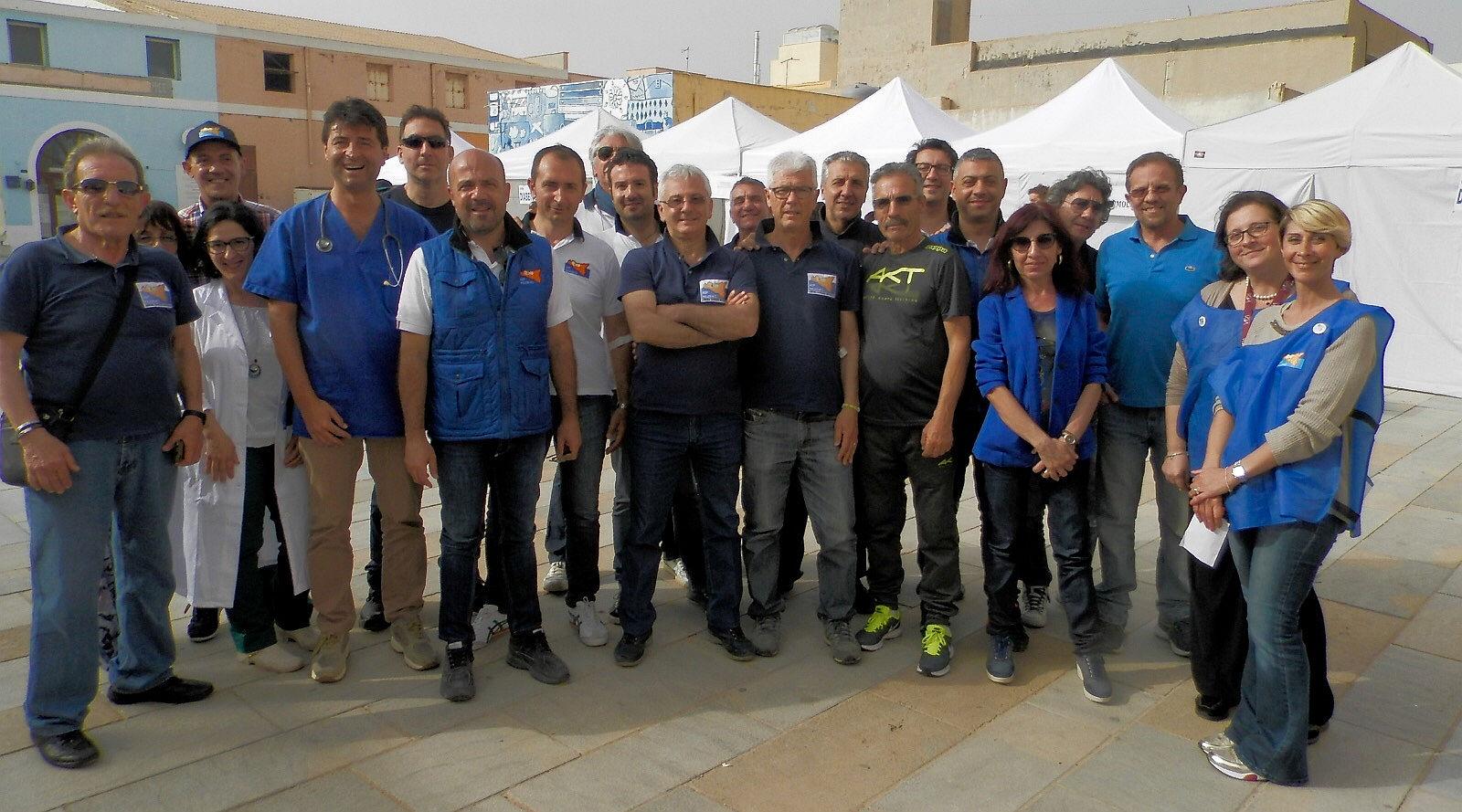 Asp in piazza a Lampedusa
