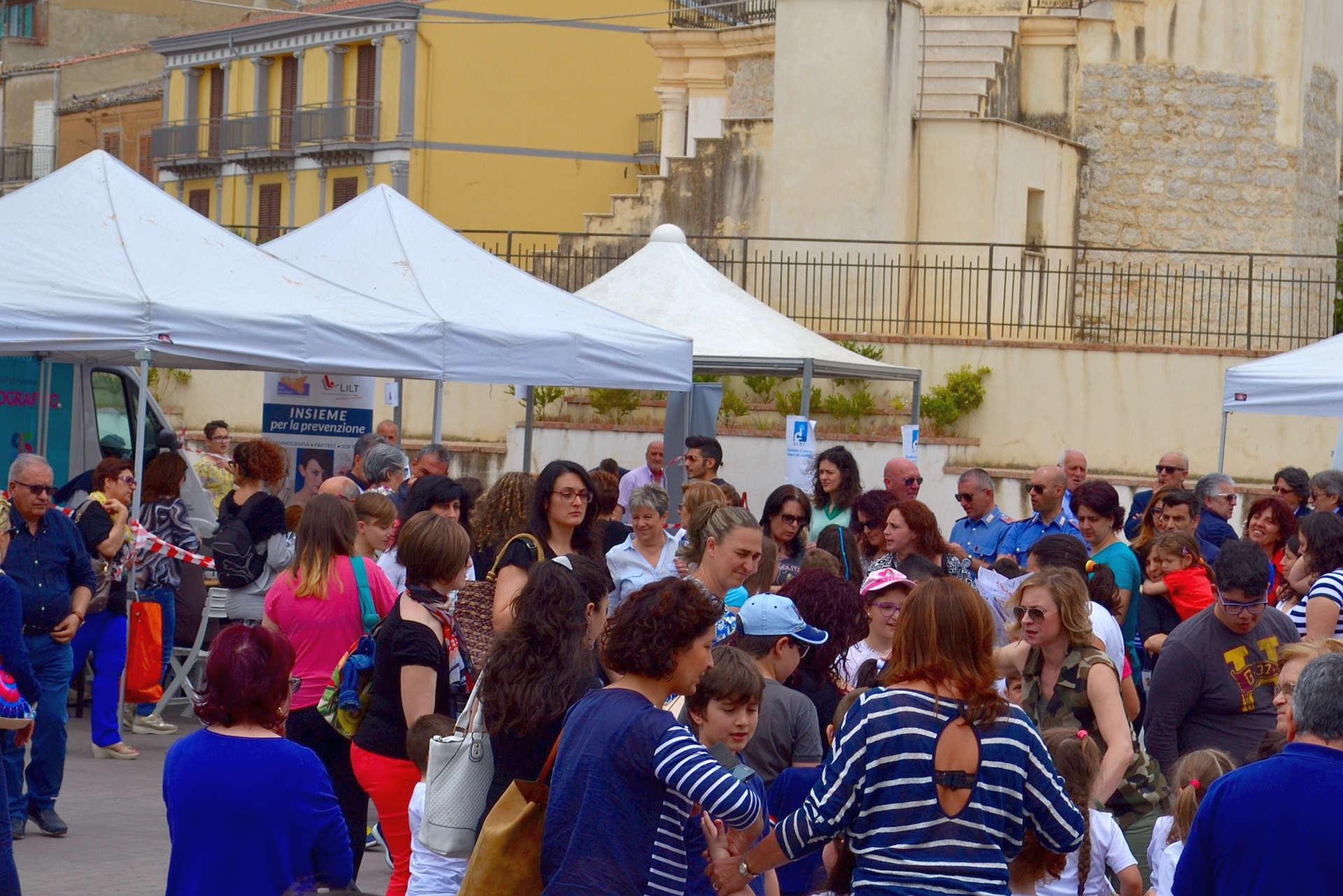 Asp in piazza a Castronovo di Sicilia