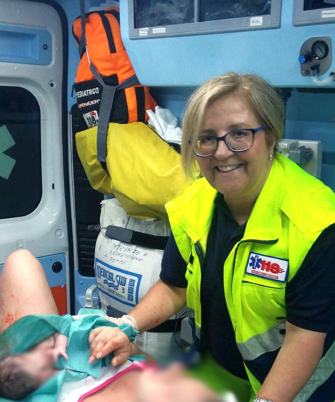 La dottoressa Luisa Lanza ha assistito la donna durante il parto