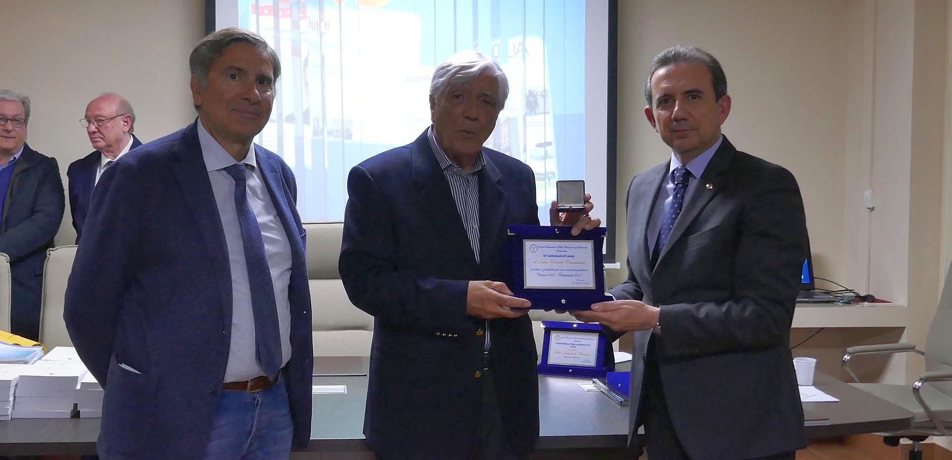 Il premio a Corrado Cammarata