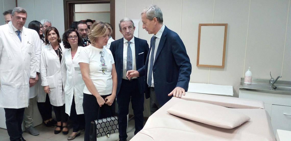 Beatrice Lorenzin al Policlinico di Palermo. Lettino x biopsia stereotassica mammaria